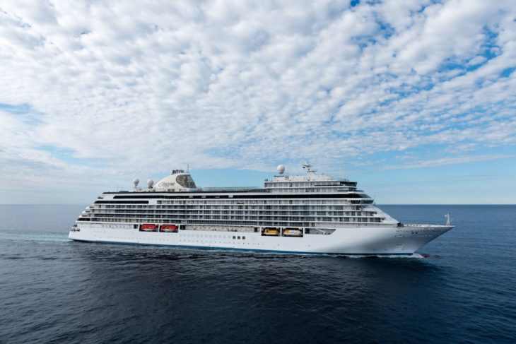 Escape The Mundane And Charter a Yacht in Miami